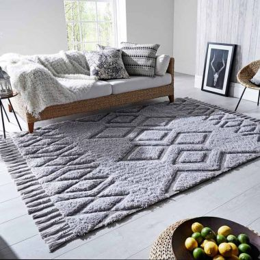 Solitaire Daria rugs by Luxmi
